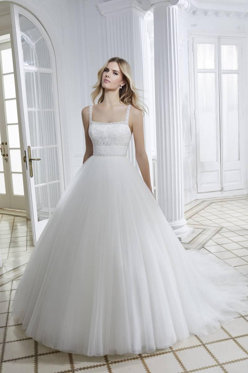 Trouver votre robe de mariée dans notre boutique